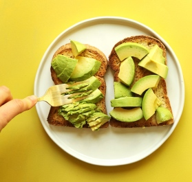 My-GO-TO-Avocado-Toast-5-minutes-3-ingredients-SO-delicious-vegan-glutenfree-avocado-recipe