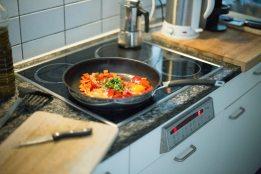 cook-cooking-dinner-89235.jpg